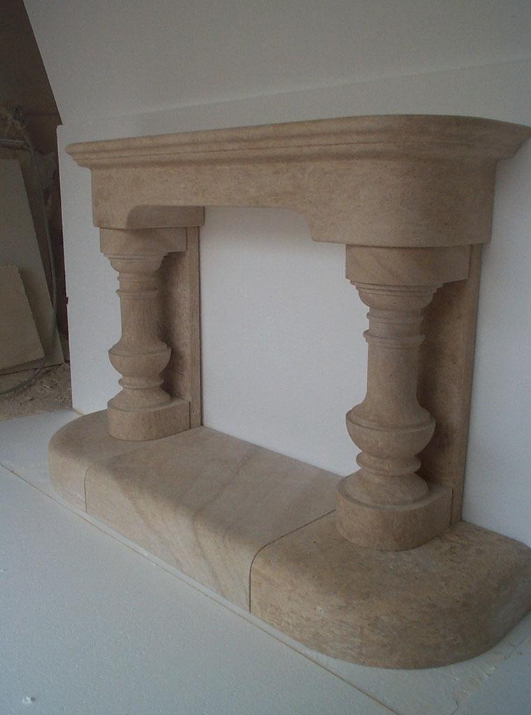 stone fireplace Lanvignes