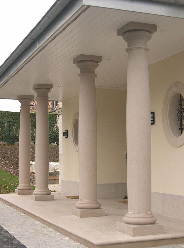 stone columns Comblanchien