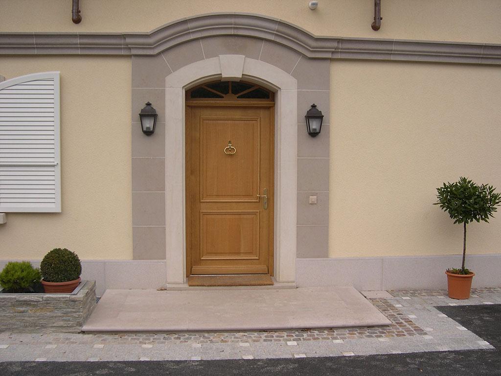 comblanchien setp door frame 2008