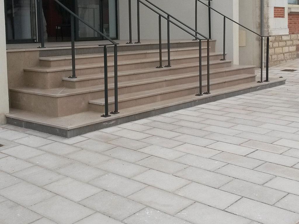satin florentin museum SETP stairs comblanchien LM 2013