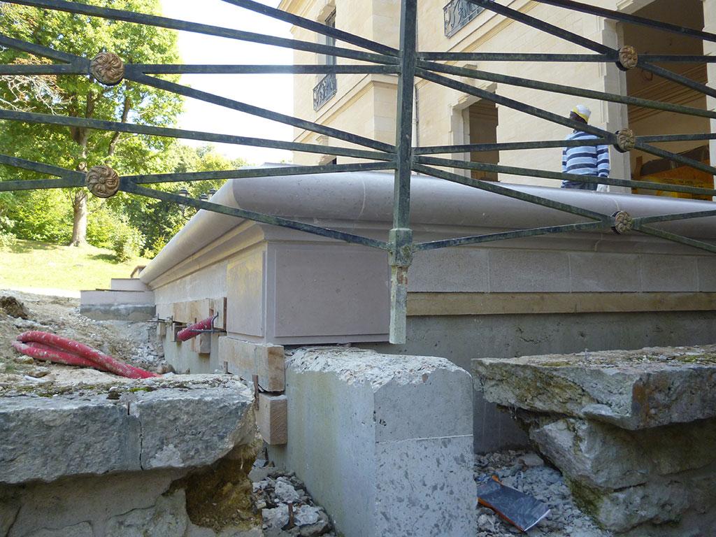 montapot castle 2014 SETP comblanchien stair side