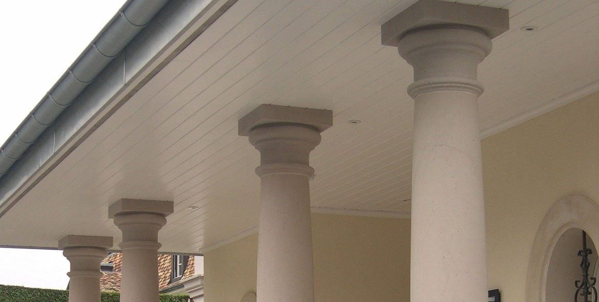Columns shaped in Comblanchien