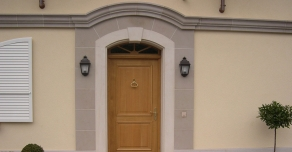 Door frames in Comblanchien