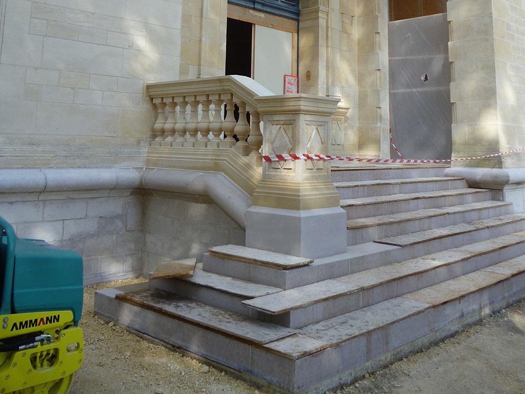 montapot castle 2014 SETP comblanchien stair